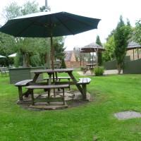 A44 dog walk to Hidcote and dog-friendly pub, Gloucestershire - Dog walks in Gloucestershire