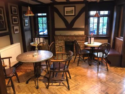A22 dog-friendly pub and dog walk near Lingfield, Surrey - Driving with Dogs