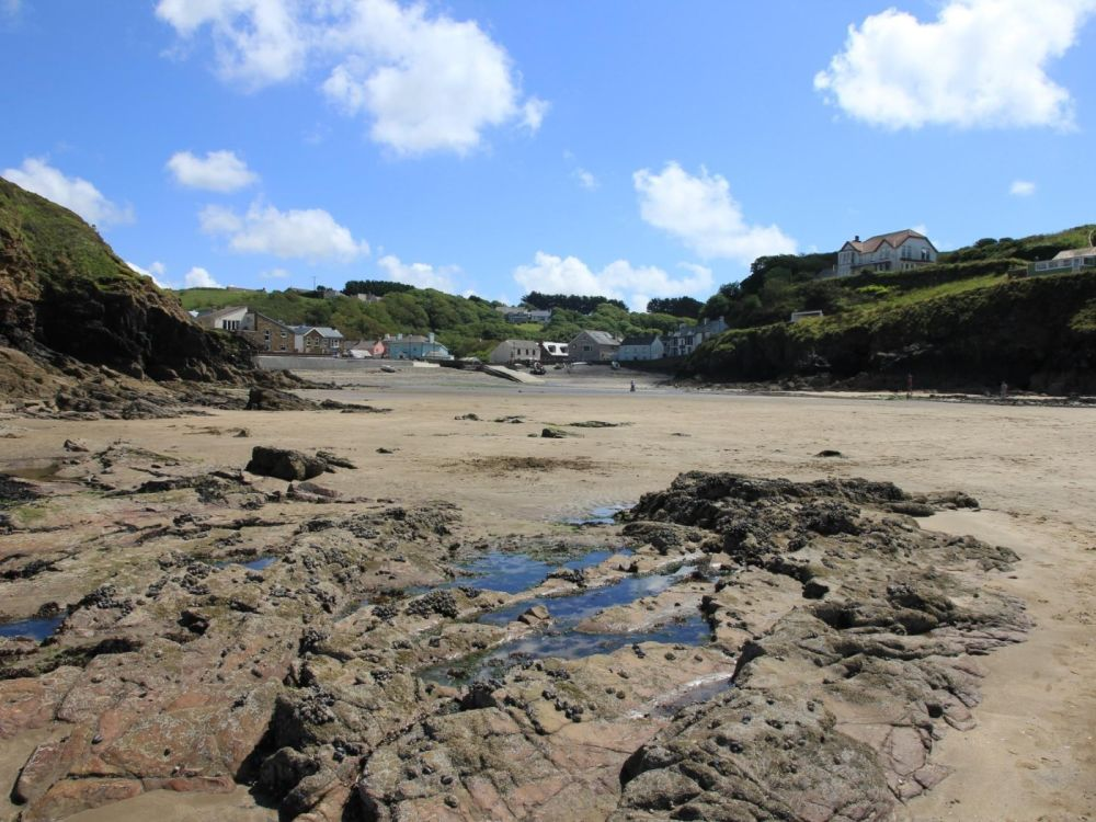 Dog-friendly beach with walks and dog-friendly pub, Wales - Pembrokeshire dog-friendly beach and pub.jpg