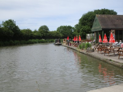 Canalside heritage dog walks with cafe, Leicestershire - Driving with Dogs