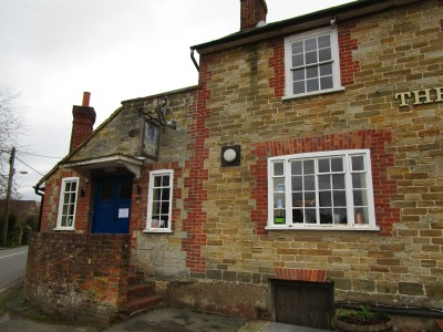 A23 dog-friendly pub and walks, West Sussex - Driving with Dogs