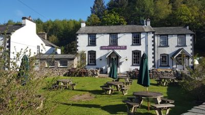 Halfway to Scafell with the dog, and a great pub, Cumbria - Driving with Dogs