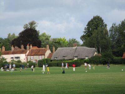 Merrie England village dog walk and dog-friendly pub, Oxfordshire - Driving with Dogs