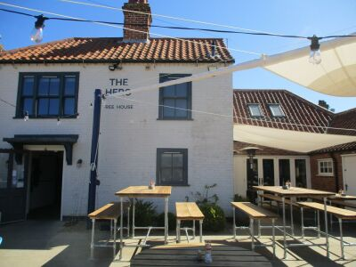A149 bracing walk by the marshes and a dog-friendly pub, Norfolk - Driving with Dogs