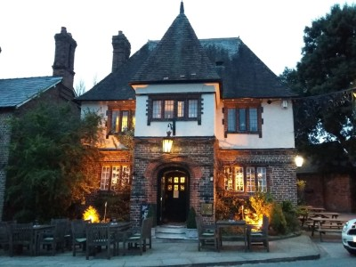 A559 dog-friendly pub near Northwich, Cheshire - Driving with Dogs