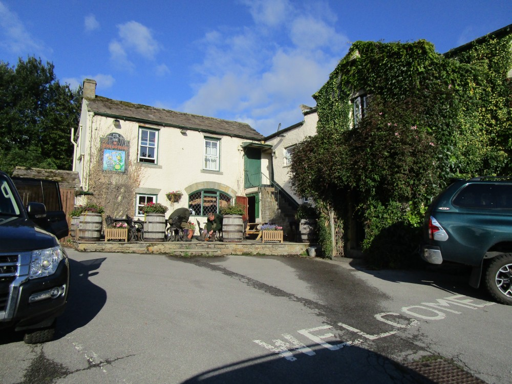 Falls dog walk and dog-friendly pub, Yorkshire - Yorkshire dog-friendly pub and dog walk