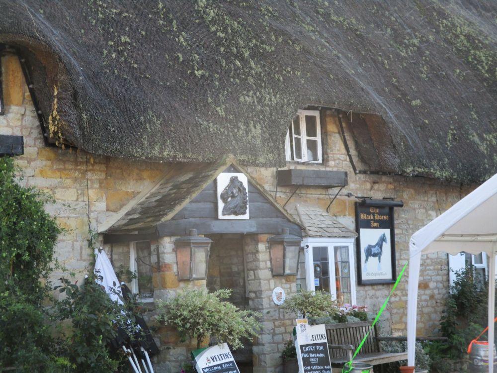A3400 Shipston dog-friendly pub, Warwickshire - Warwicksgire dog-friendly pubs.JPG