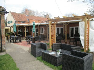 A140 dog-friendly pub and short walkies near Aylsham, Norfolk - Driving with Dogs