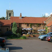 Caunton dog-friendly pub and dog walk, Nottinghamshire - Dog walks in Nottinghamshire