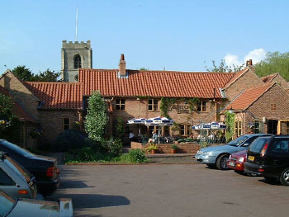 Dog-friendly pub and dog walk near Newark, Nottinghamshire - Dog walks in Nottinghamshire