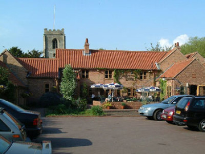 Caunton dog-friendly pub and dog walk, Nottinghamshire - Driving with Dogs