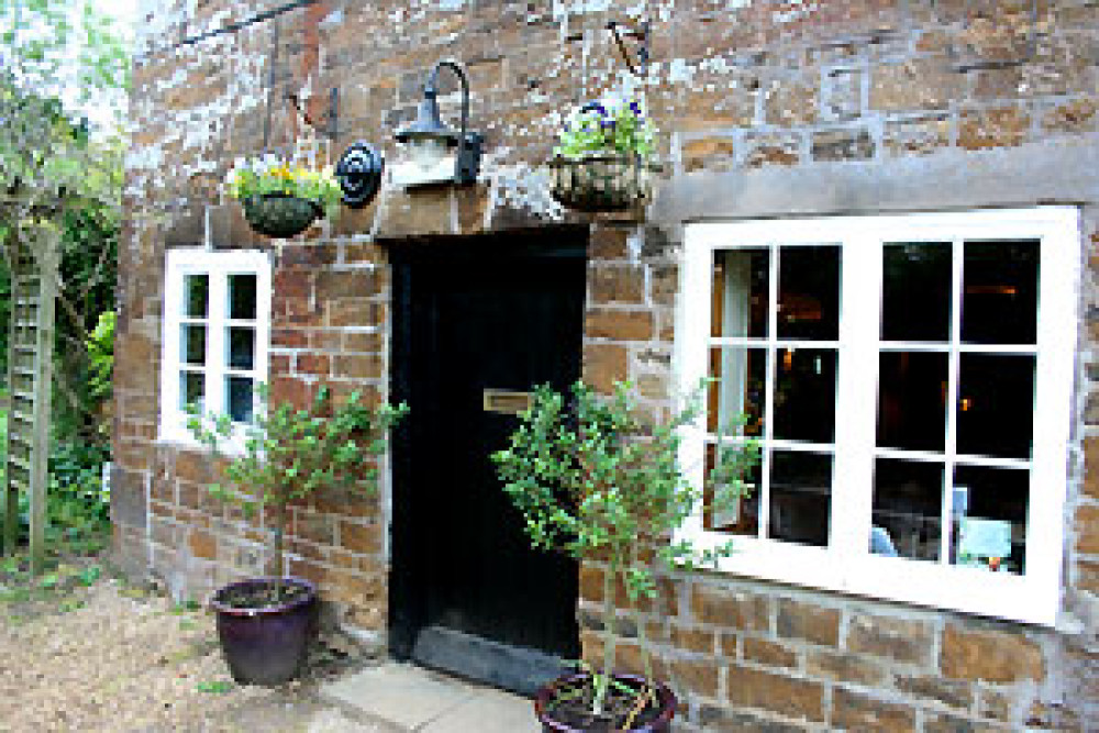 A425 south of Southam dog-friendly pub and walk, Warwickshire - Dog walks in Warwickshire