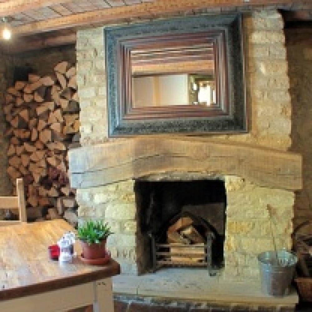 A361 dog-friendly pub, Gloucestershire - Dog walks in Gloucestershire