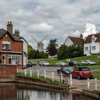 Very pretty village with pub and dog walk, Essex - Pretty Essex village with a dog walk.jpg
