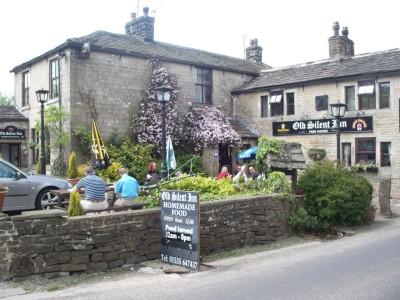 Old Silent Inn, dog-friendly inn near Haworth, Yorkshire - Driving with Dogs