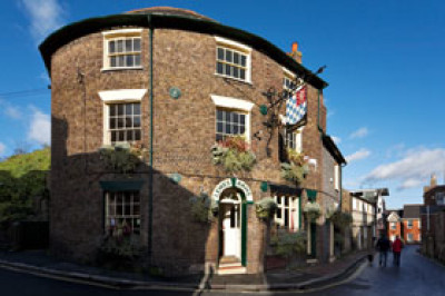 Lewes dog-friendly pub, East Sussex - Driving with Dogs