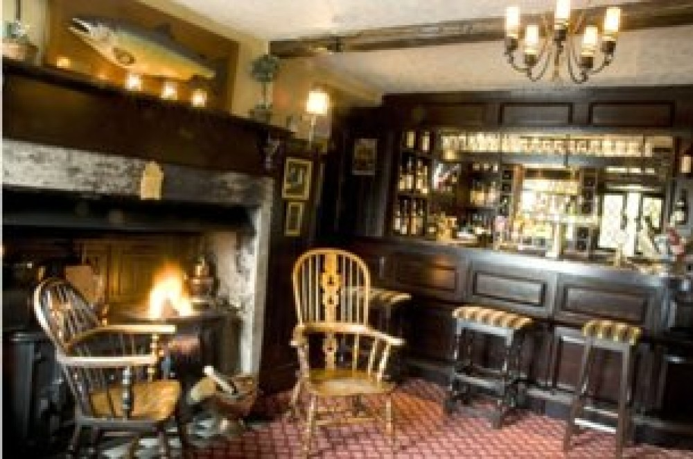 Dog-friendly pub and dog walk, Cumbria - Cumbria dog-friendly pub and dog walk