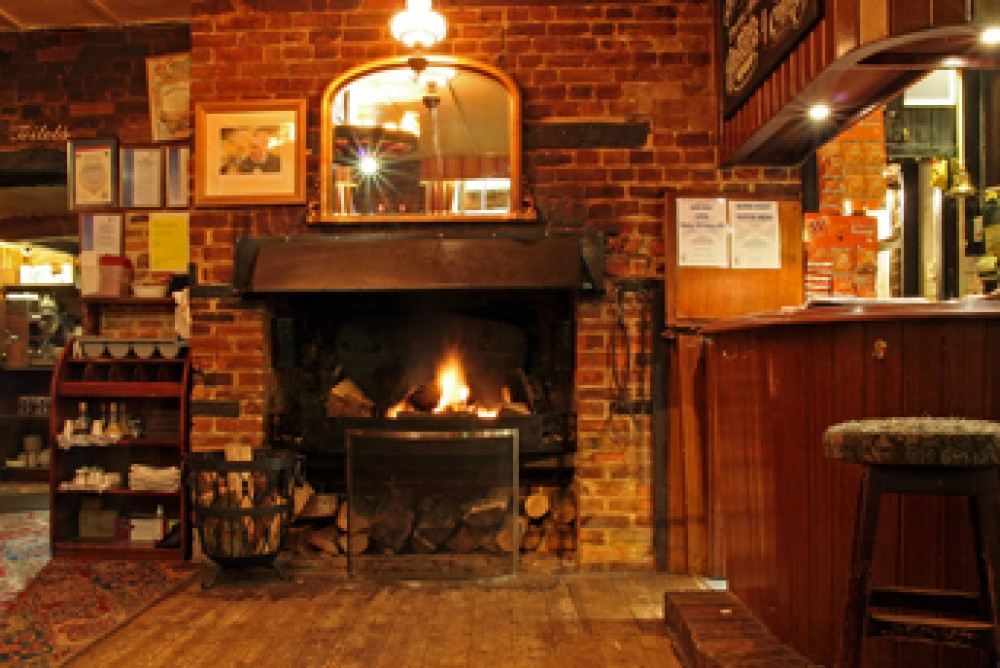 A259 dog-friendly pub and walk near Chichester, West Sussex - Dog walks in Sussex
