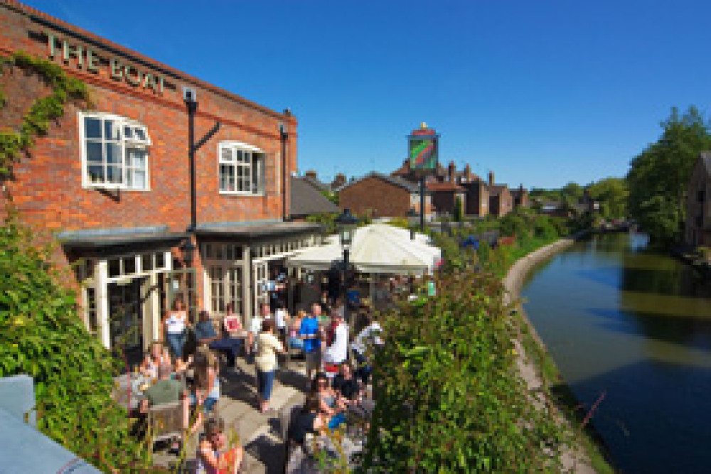 Berkhamsted dog-friendly pub, Hertfordshire - Dog walks in Hertfordshire