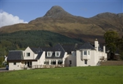 A82 dog-friendly pub and dog walk in Glencoe, Scotland - Driving with Dogs
