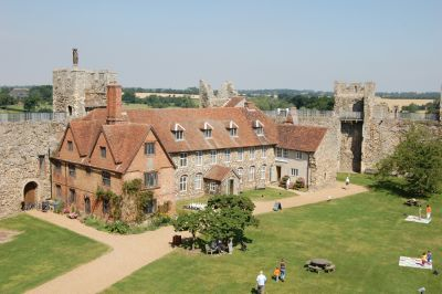 A medieval castle, dog walk and a dog-friendly cafe/pub, Suffolk - Driving with Dogs