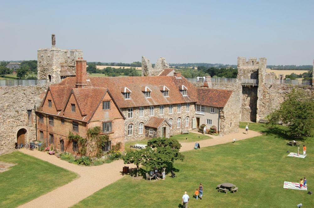 A medieval castle, dog walk and a dog-friendly cafe/pub, Suffolk - castle by dog-friendly pub.jpg
