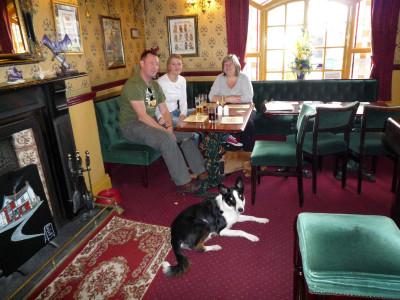 Doggiestop between Oswestry and Welshpool, Wales - Driving with Dogs