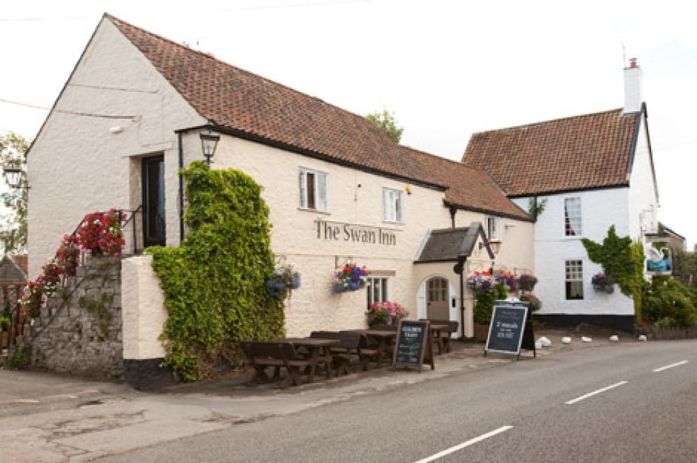 M4 Junction 16 dog-friendly pub and dog walk, Gloucestershire - Dog walks in Gloucestershire