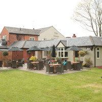 M42 Junction 4 dog-friendly pub near Dorridge, West Midlands - Dog walks in the West Midlands