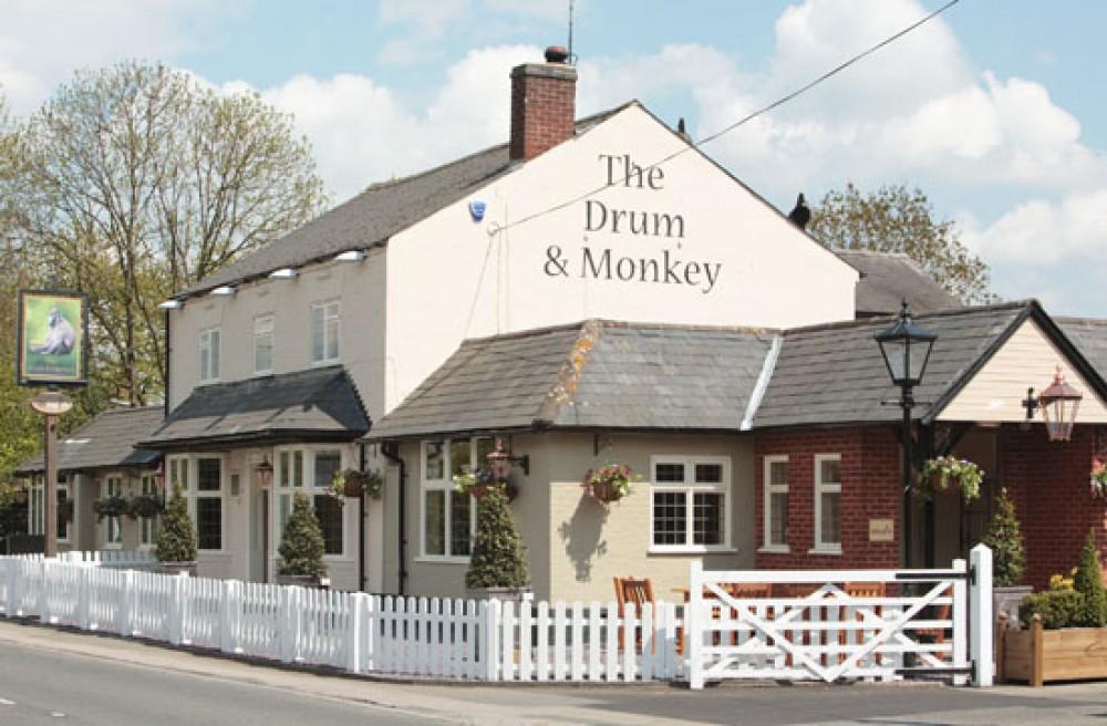 M42 Junction 4 dog-friendly pub near Dorridge, West Midlands - Dog walks in the West Midlands
