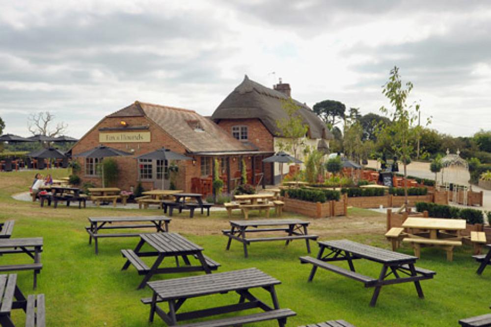 A31 dog-friendly pub and walk, Dorset - Dog walks in Dorset