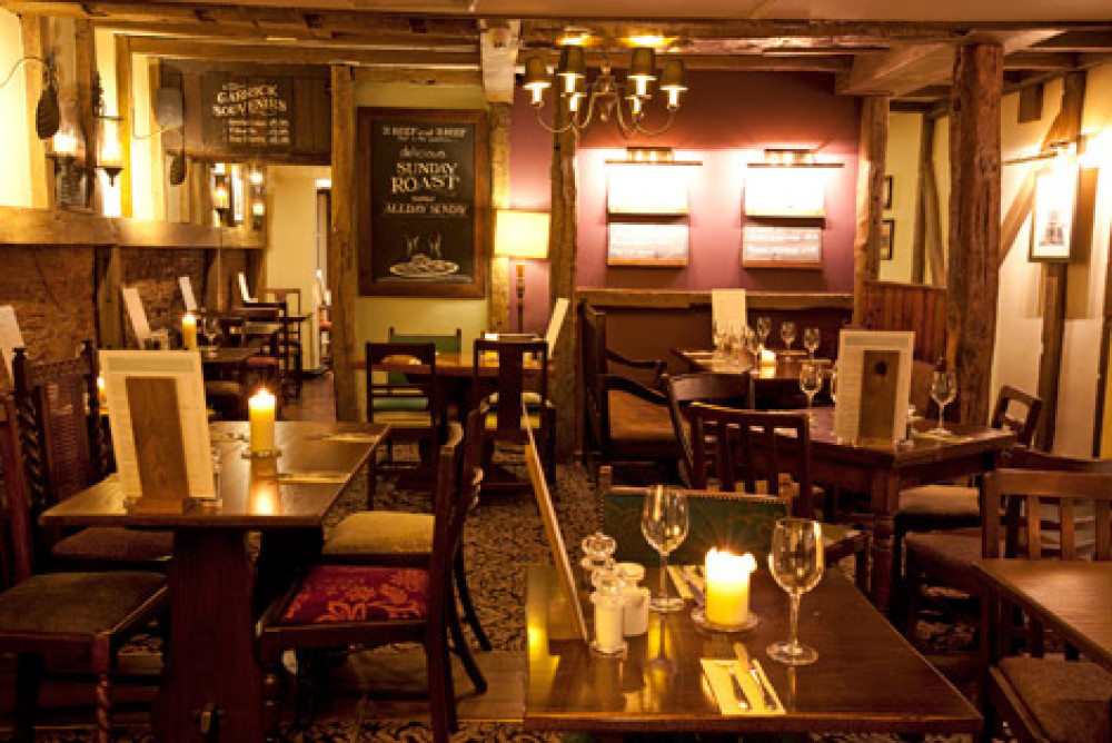 Stratford-Upon-Avon dog-friendly pub and dog walk, Warwickshire - Dog walks in Warwickshire