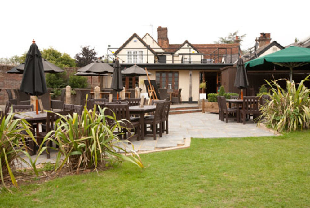 Welwyn dog-friendly pub and dog walk, Hertfordshire - Dog walks in Hertfordshire