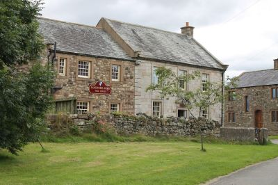 A66 Rural inn with dog-friendly B&B near Appleby, Cumbria - Driving with Dogs