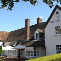 Old Queens Head dog-friendly pub in Penn, Buckinghamshire - Dog walks in Buckinghamshire