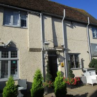 A257 dog-friendly pub and dog walk near Canterbury, Kent - Kent dog-friendly dog walk and dog-friendly pub