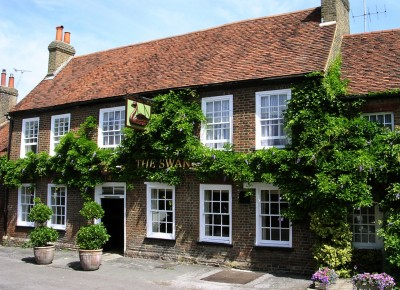 Denham dog-friendly pub, Buckinghamshire - Driving with Dogs