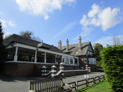 Holt riverside pub and dog walk, Worcestershire - Driving with Dogs