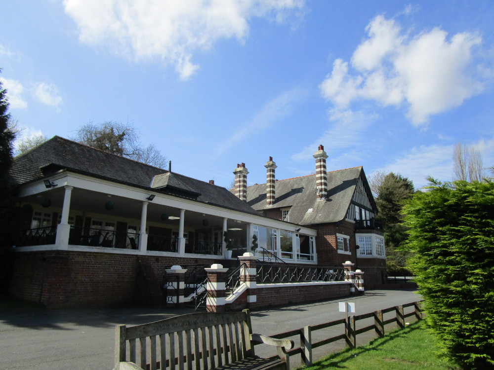 Holt riverside pub and dog walk, Worcestershire - Dog walks in Worcestershire