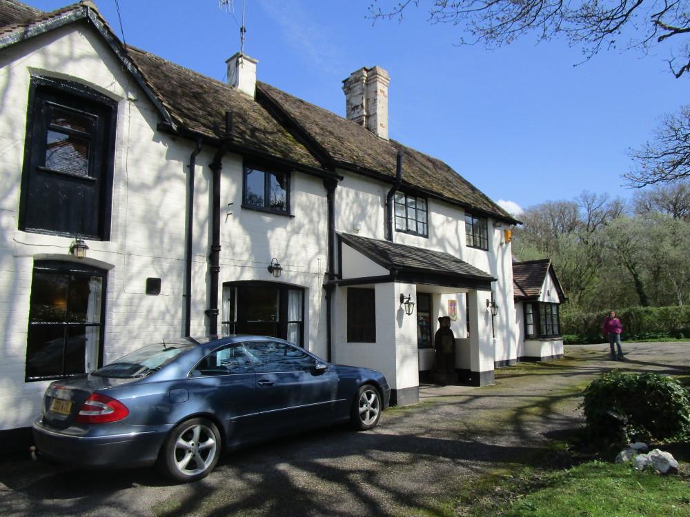 A4103 near Worcester dog-friendly inn and dog walk, Worcestershire - Dog walks in Worcestershire