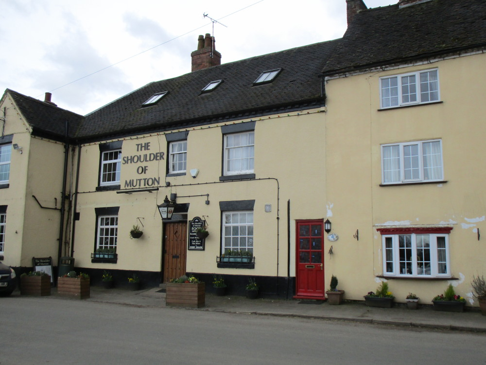 A515 rural pub and dog walk, Staffordshire - Dog walks in Staffordshire
