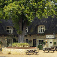 Riverside dog walk and country inn near Oundle, Cambridgeshire - Cambridgeshire dog-friendly pub and dog walk