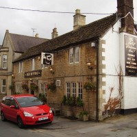 M4 Junction 17 dog walk and dog-friendly pub, Wiltshire - Dog walks in Wiltshire