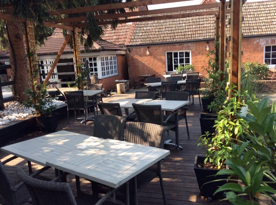 A3 dog-friendly pub and dog walk near Leatherhead, Surrey - Surrey dog-friendly pub and dog walk