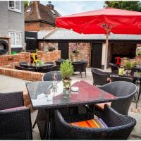 A130 Family and dog-friendly pub near Chelmsford, Essex - Essex dog-friendly pub and dog walk