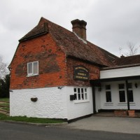 Dog-friendly pub and reservoir dog walk near Edenbridge, Kent - Kent dog-friendly pubs.JPG