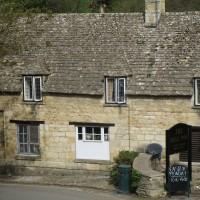 A40 dog-friendly pub and short doggie stroll near Cheltenham, Gloucestershire - Gloucestershire dog walk and dog-friendly pub.JPG
