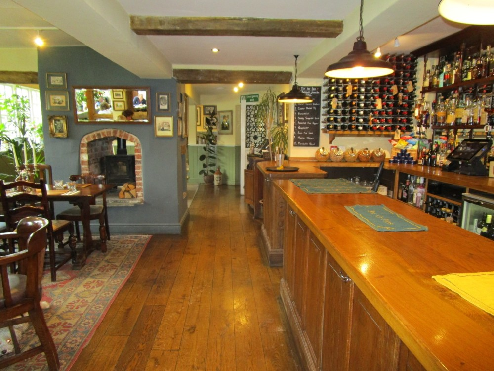 A25 dog-friendly pub near Reigate, Surrey - Surrey dog walks and dog-friendly pubs.JPG