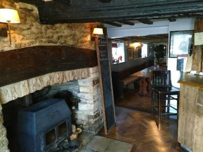 Dog-friendly pub and dog walk near Witney, Oxfordshire - Driving with Dogs