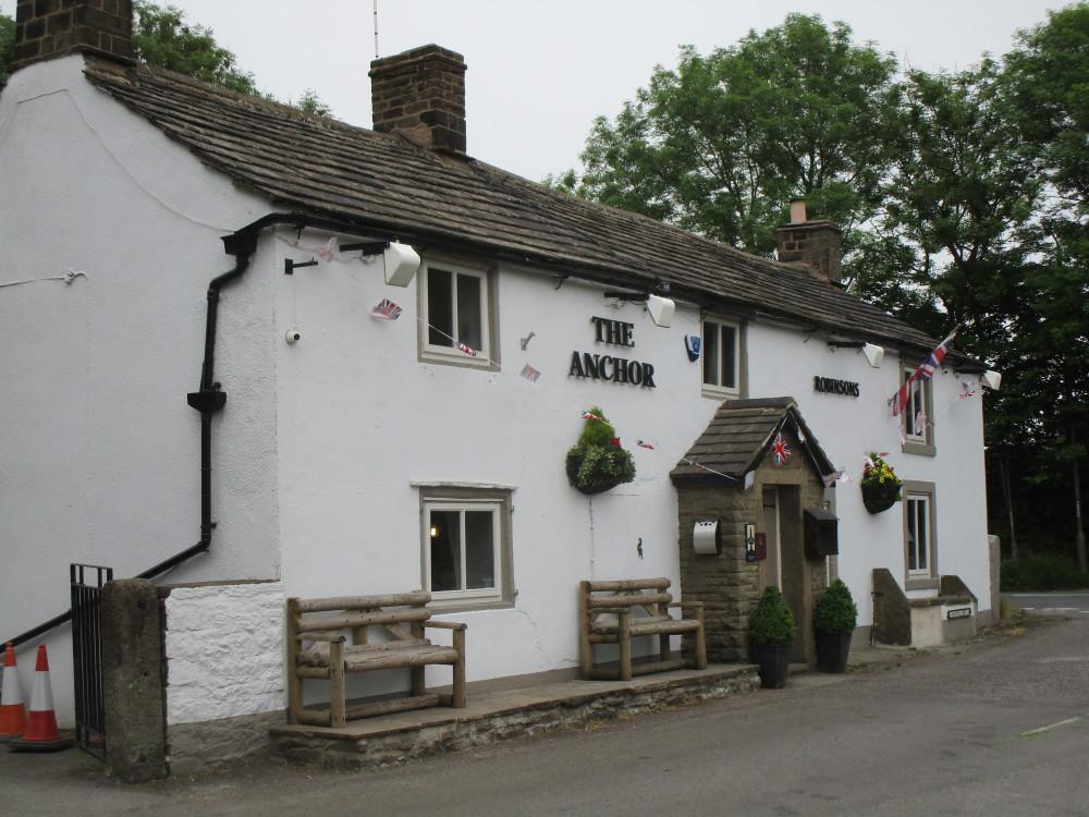 Dark Peak dog-friendly pub, Derbyshire - Dog walks in Derbyshire